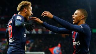 Les joueurs du PSG Neymar et Kylian Mbappé au Parc des Princes, le 2 novembre 2018.