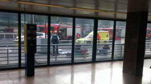 L'intervention des secours peu après les explosions à l'aéroport de Bruxelles.
