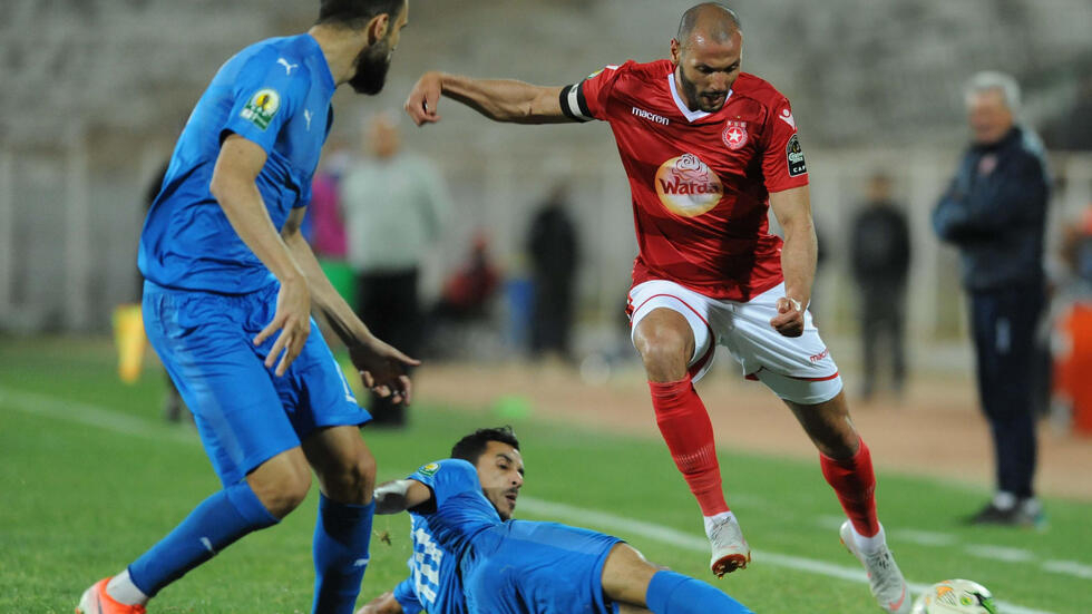 Etoile Edge 10 Man Ahly In Bad Tempered Battle Of African Giants