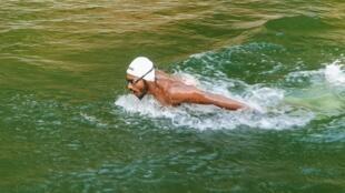 Photo transmise à l'AFP par le nageur SP Likith et prise le 23 avril lors d'un entraînement dans un bassin agricole de la ferme de son entraîner à Adyanadka, dans l'Etat indien du Karnataka