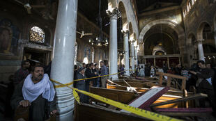 Une bombe a explosé dimanche à l'intérieur de l'église Saint-Pierre et Saint-Paul, contiguë à la cathédrale copte Saint-Marc, au Caire.