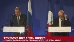Le ministre des Affaires étrangères, Jean-Yves Le Drian (à droite), et son homologue russe, Sergueï Lavrov.