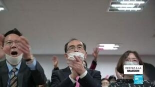 2020-04-16 11:12 Législatives plébiscitées en Corée du Sud malgré le coronavirus, Moon conforté