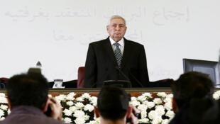 عبد القادر بن صالح عقب تعيينه رئيسا مؤقتا من البرلمان الجزائري، العاصمة الجزائرية - 9 أبريل/نيسان 2019