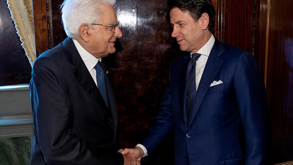 El presidente italiano, Sergio Mattarella, encargó este jueves al primer ministro, Giuseppe Conte, formar un nuevo gobierno, tras alcanzado un pacto político que evitó la convocatoria a unas elecciones.