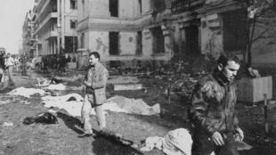Le 30 janvier 1995, un attentat à la bombe avait fait au moins 35 morts et 154 blessés dans le centre d'Alger.