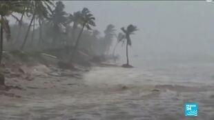 2020-11-18 10:11 La tempête tropicale Iota, qui a fait neuf morts, fait d'énormes dégâts au Honduras