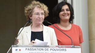 Muriel Pénicaud lors de la passation de pouvoir avec la ministre du Travail sortante Myriam El Khomri
