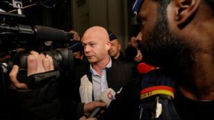 L'avocat de Salah Abdeslam, Sven Mary, s'est adressé à la presse le 18 décembre 2017, à Bruxelles, peu après l'annonce du report du procès de son client.
