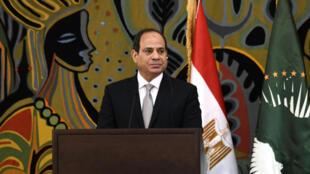 الرئيس المصري عبد الفتاح السيسي خلال زيارة رسمية الى دكار في 12 نيسان/ابريل 2019.