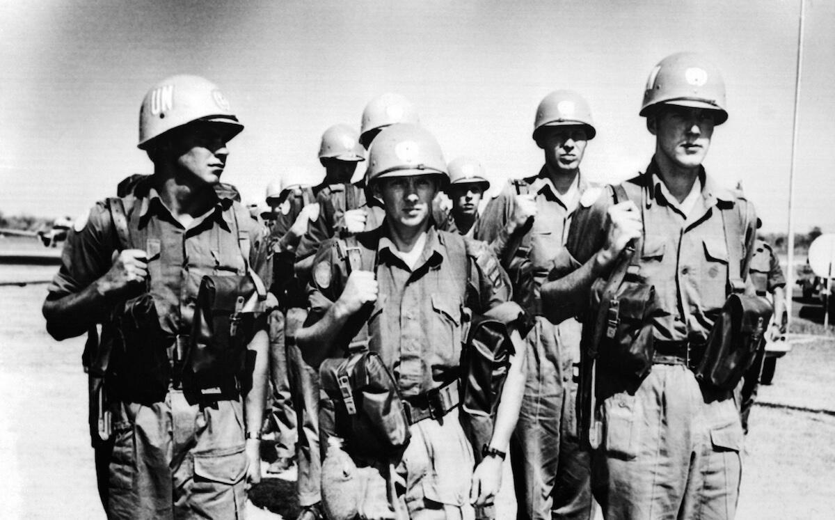 Photo d'archive du 15 août 1960 montrant des soldats suédois sous mandat de l'ONU arrivant dans la capitale du Katanga, Elisabethville, dans un climat de violence après la sécession de cette riche province minière.