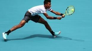 Le jeune Canadien Félix Auger-Alliassime, 18 ans, face à l'Américain John Isner en demi-finales du Masters 1000 de Miami, le 29 février 2019