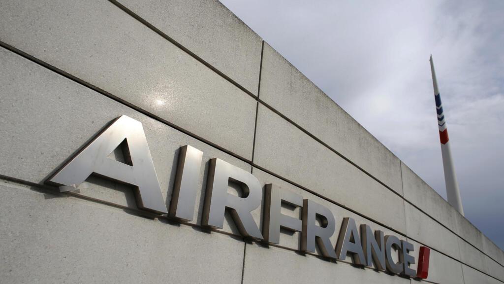 Air France s'engage à réduire ses émissions de CO2 sur les vols courts en échange d'aides de l'État