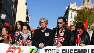 Jean-Claude Mailly, de Force Ouvrière, a choisi de manifester à Marseille, jeudi 16 novembre, pour dénoncer la politique d'Emmanuel Macron.