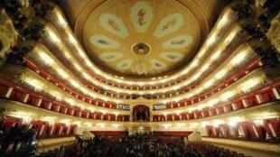 Le théâtre du Bolchoï, à Moscou, va diffuser ses meilleurs spectacles sur YouTube, au moment où plus du tiers de l'humanité est confinée chez elle pour empêcher la propagation du coronavirus