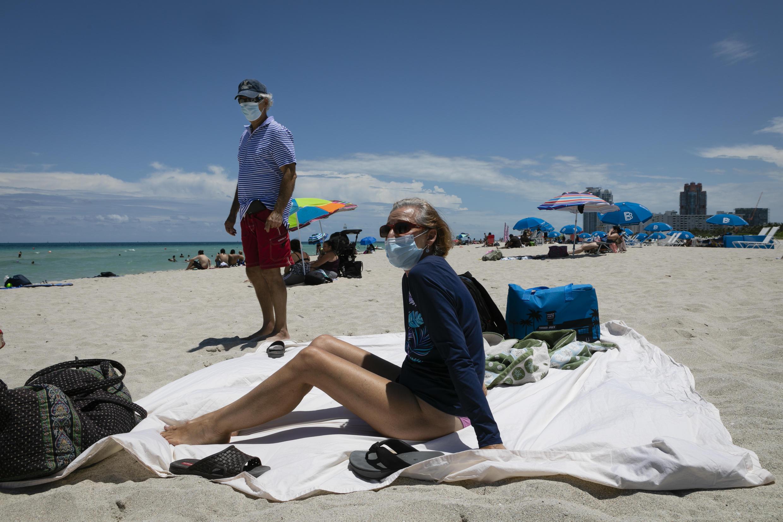 Varios estados de EE. UU., incluido Florida, están experimentando aumentos en las infecciones por coronavirus, lo que genera preocupación por el ritmo de la finalización de los bloqueos.