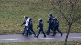 BELARUS PROTEST RIOT POLICE ARREST