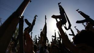 Selon le ministère de l'Intérieur, 445 Français ou résidents français se trouveraient actuellement en Syrie.