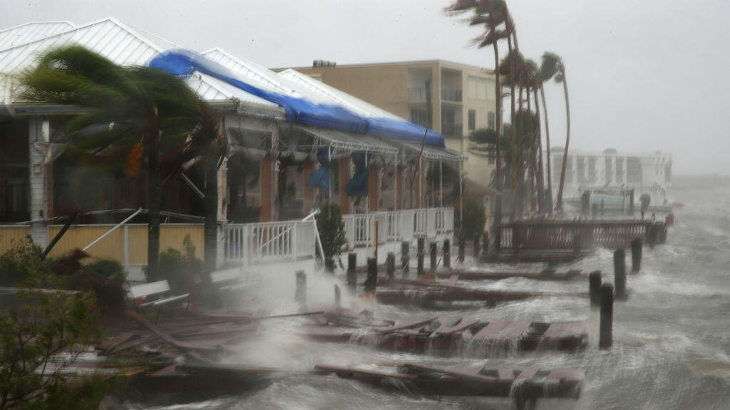 Après une légère baisse d'intensité, l'ouragan Matthew a été rétrogradé en catégorie 3.