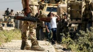 قافلة للقوات العراقية تتقدم نحو تلعفر في 9 حزيران/يونيو 2017