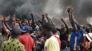 Les manifestations se sont poursuivies au Burkina Faso après le coup d'État militaire, le 19 septembre 2015.