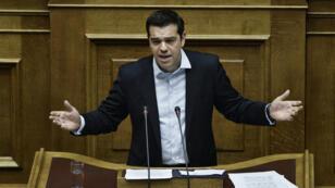 -رئيس الوزراء اليوناني ألكسيس تسيبراس أمام البرلمان
