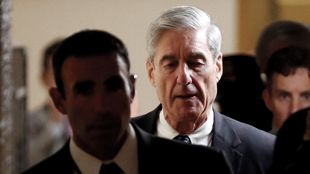 Archivo: el fiscal especial Robert Mueller se retira después de informar a los miembros del Senado de los Estados Unidos sobre su investigación sobre una posible colusión entre Rusia y la campaña de Trump.