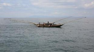 Une barque de pêcheurs sur le lac Kivu, dans l'est de la République Démocratique du Congo (RDC), le 26 mars 2015.