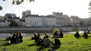 France's interior minister has outlawed alcohol consumption on canal and river banks in Paris