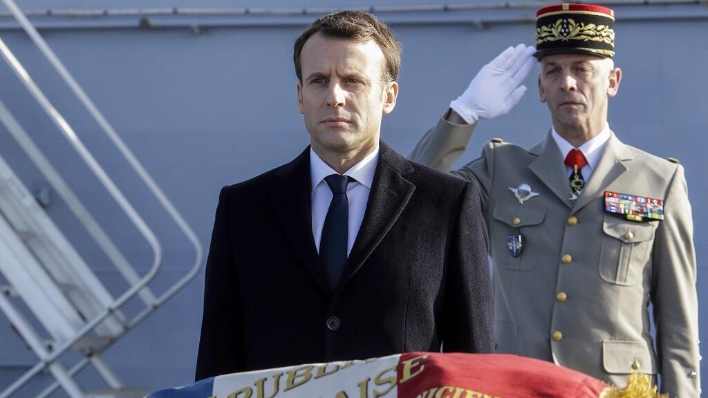 إيمانويل ماكرون في قاعدة تولون العسكرية (جنوب شرق) فرنسا 19 ك2/يناير 2018