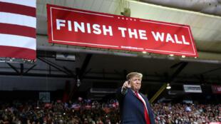 El presidente de los Estados Unidos, Donald Trump, habla durante un mitin de campaña en El Paso, Texas, EE. UU., 11 de febrero de 2019.