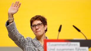 """Annegret Kramp-Karrenbauer remplazará a Angela Merkel al frente de la CDU. En su discurso del 7 de diciembre definió la CDU como """"el último unicornio de Europa"""" por el apoyo con el que cuenta"""