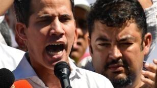 Juan Guaido et son chef de cabinet Roberto Marrero le 13 janvier 2019 à Caraballeda, au Venezuela.