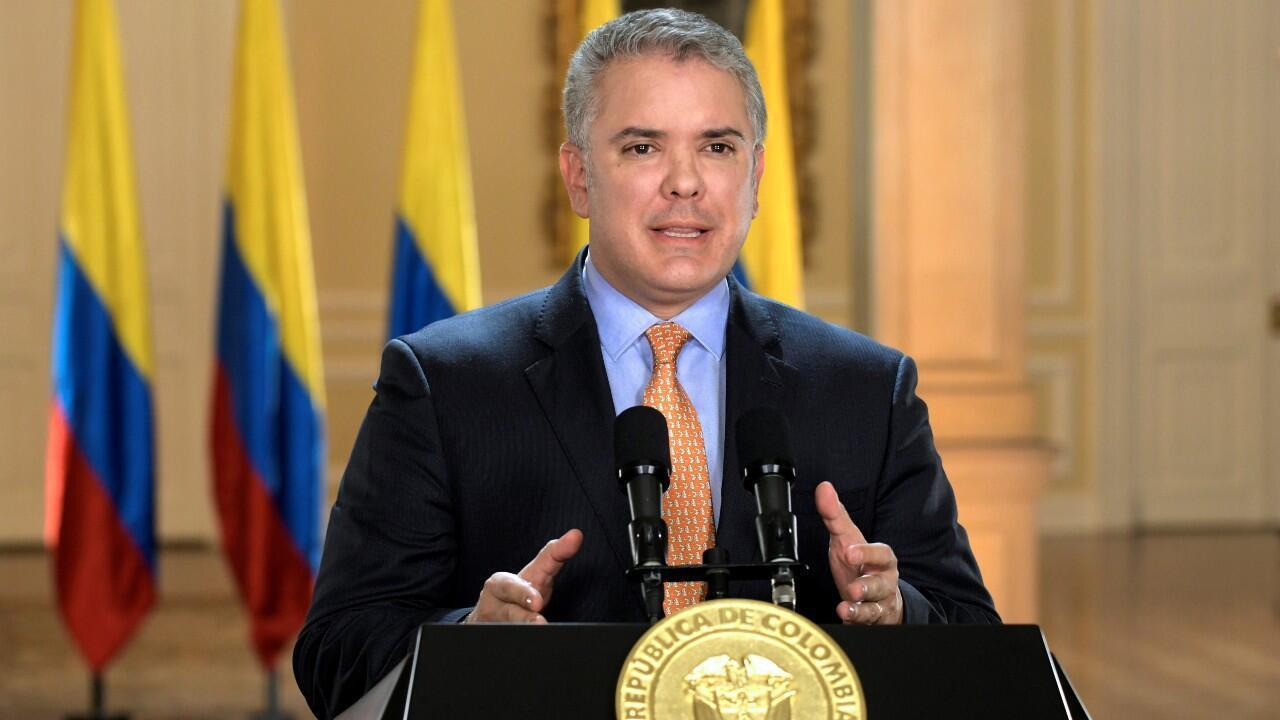 Archivo-El presidente de Colombia, Iván Duque, durante una alocución en la que declaró el estado de emergencia, en Bogotá, Colombia, el 17 de marzo de 2020.