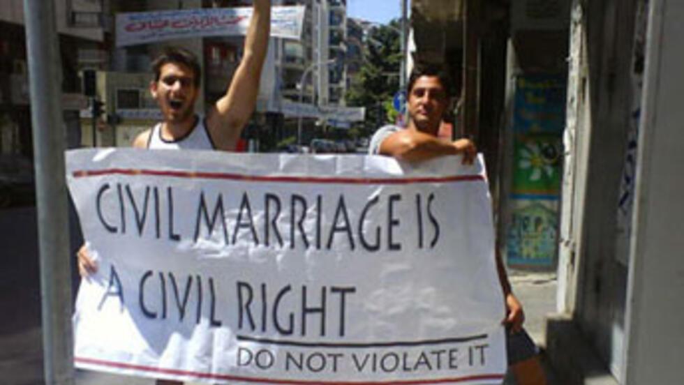 Datant tandis que le droit marié
