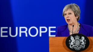 La Première ministre britannique Theresa May fait face à une fronde des conservateurs qui pourrait lui coûter son poste.