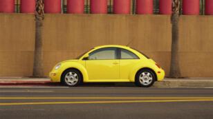 Le précédent gros relooking s'appelait New Beetle. Sortie en 1998, cette voiture avait son moteur à l'avant, contrairement à l'historique Coccinelle.