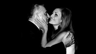 Dalida et Bruno Coquatrix, directeur de l'Olympia, à la fin des années 1950.