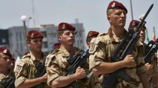 جنود فرنسيون من قوة برخان في باماكو ضمن مسيرة بمناسبة عيد استقلال مالي 22 سبتمبر/أيلول 2018
