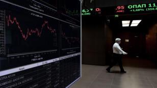Après cinq semaine d'interruption, la Bourse d'Athènes a connu une reprise marquée par une chute de 16,23 % à la fermeture.