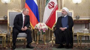 Le président russe Vladimir Poutine a été reçu par le dirigeant iranien, Hassan Rohani, à Téhéran le 1er novembre 2017.
