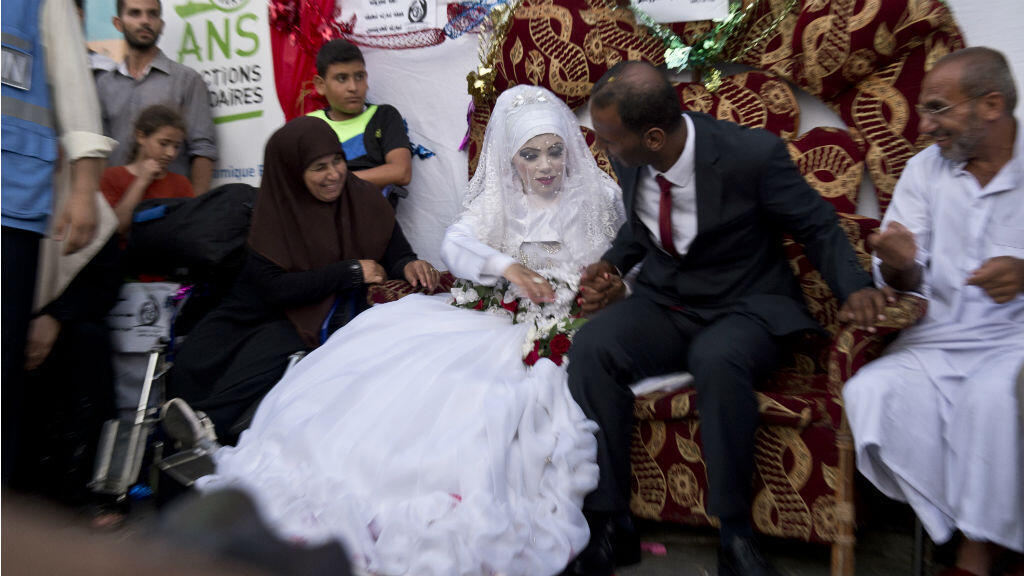 Omar et Heba ont célébré leur mariage mercredi dans une école de l'ONU.