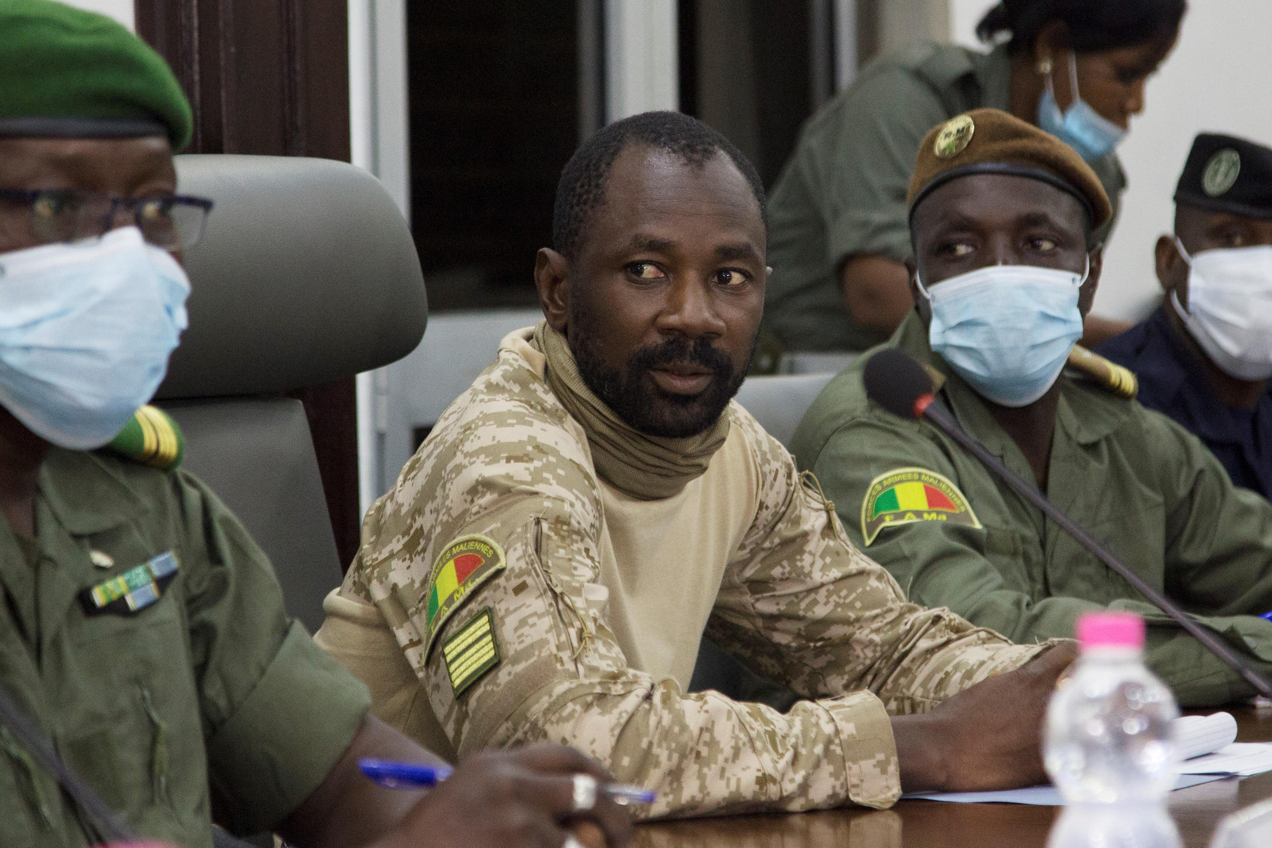 President of the CNSP (National Committee for the Salvation of the People) Assimi Goita (C) preparing for a meeting between Malian military leaders and an ECOWAS delegation headed by former Nigerian president in an aim to restore order after the military coup in Bamako.