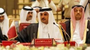 أمير قطر الشيخ تميم بن حمد آل ثاني مشاركا في 6 كانون الأول/ديسمبر 2016 في قمة لمجلس التعاون الخليجي