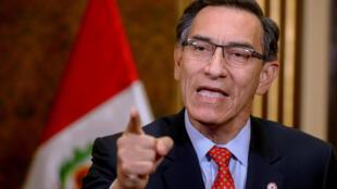 El presidente peruano Martín Vizcarra brinda un mensaje a la nación desde el palacio de gobierno en Lima, el 5 de julio de 2020