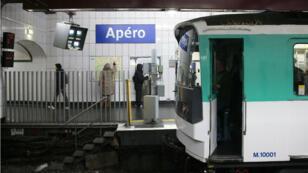 """La RATP a rebaptisé la station de métro Opéra en """"Apéro"""", le 1er avril 2016."""