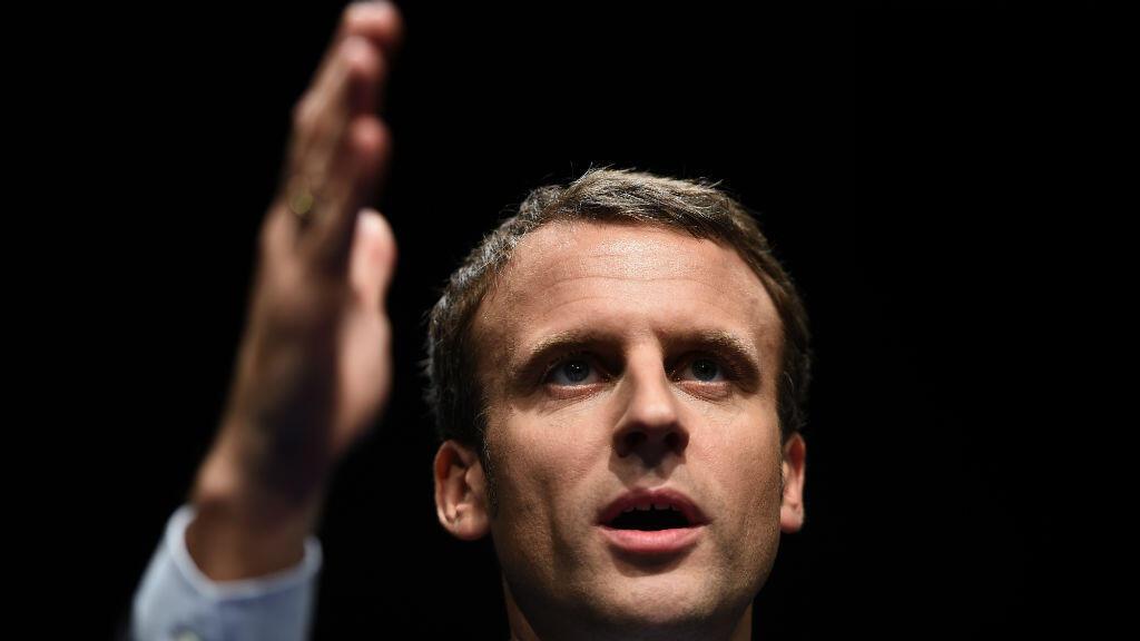 Emmanuel Macron lors d'un meeting, le 17 novembre 2016, à Les Pennes-Mirabeau, près de Marseille.