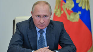الرئيس الروسي فلاديمير بوتين خلال اجتماع في مقر إقامته في نوفو أوغاريوفو ، بالقرب من موسكو ، 8 أكتوبر ، 2020.