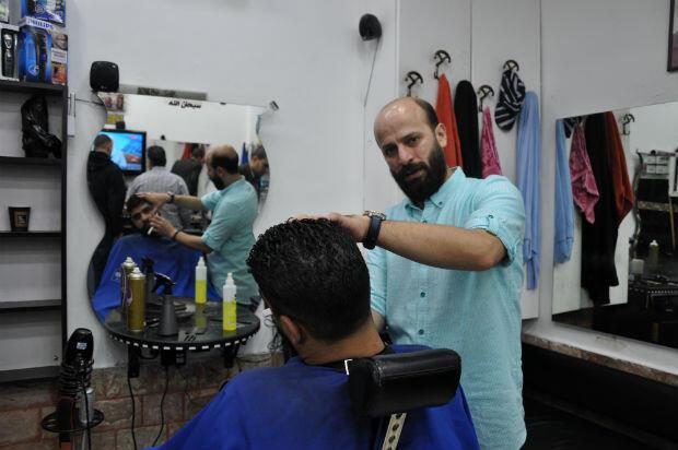 Ramzi, 30 ans, coiffeur dans la Vieille ville de Jérusalem.
