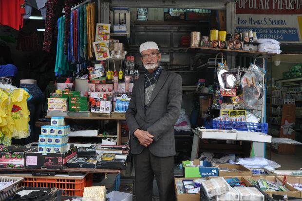 Yahia Shabaneh, 76 ans, vendeur de journaux dans la Vieille ville de Jérusalem depuis 60 ans.